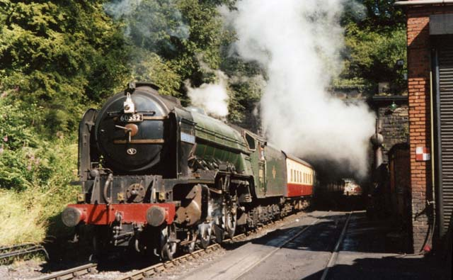 60532 leaves Grosmont Tunnel