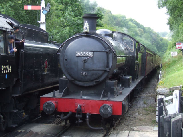 The Q6 passes the 9F at Goathland with the 15:50 from Grosmont on its second trip - Ian Corduex