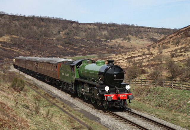 "Imaculate B1 4-6-0 No 61306 ""Mayflower"" descends from Fen Bog past Carters House with the 11:30 Grosmont to Pickering - Maurice Burns"