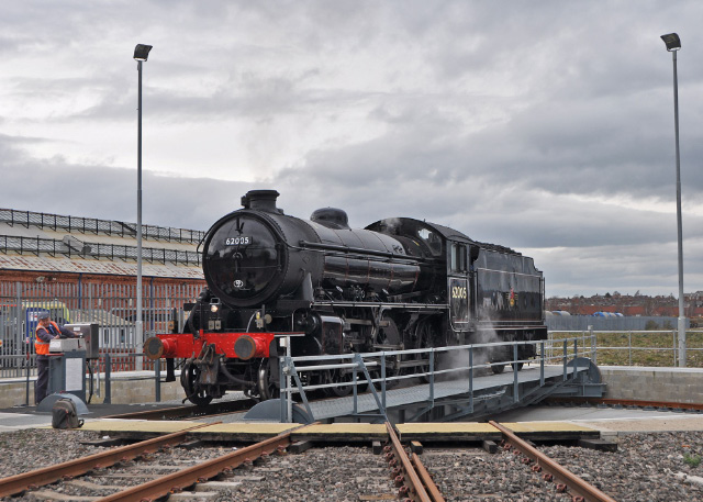 The K1 being turned on the new turntable at York - Colin Smith
