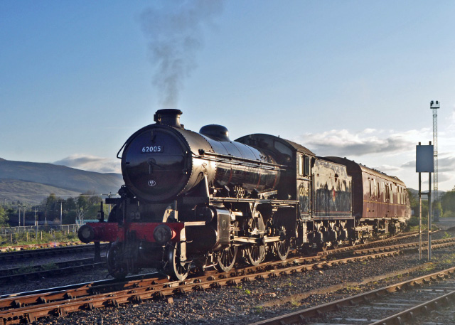 Awaiting departure from Fort William Yard 2/5/2014 - Colin Smith