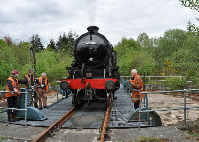 K1 being turned at Fort William for return journey 3/5/2014 - Colin Smith