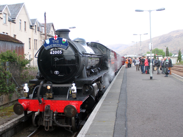 The K1 stands ready to depart Fort William, 3/5/2014.