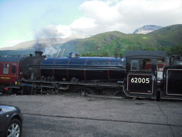 62005 put to bed for the night under Ben Nevis - John Midcalf