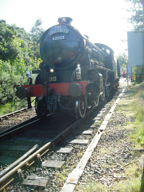 Now that the sprinter is in the platform, The Jacobite fraws forward to allow it to escape to Fort William - John Midcalf