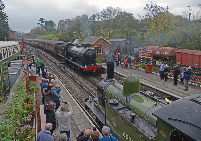The Q6 with the 10.50 ex Pickering meets the J72 at Goathland - John Hunt
