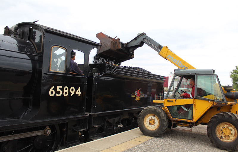 Loading coal at Leeming Bar - Peter W Robinson