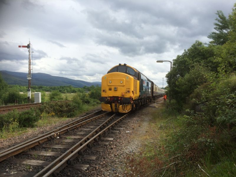 Fort William Yard 37402 Three Peaks - John Midcalf