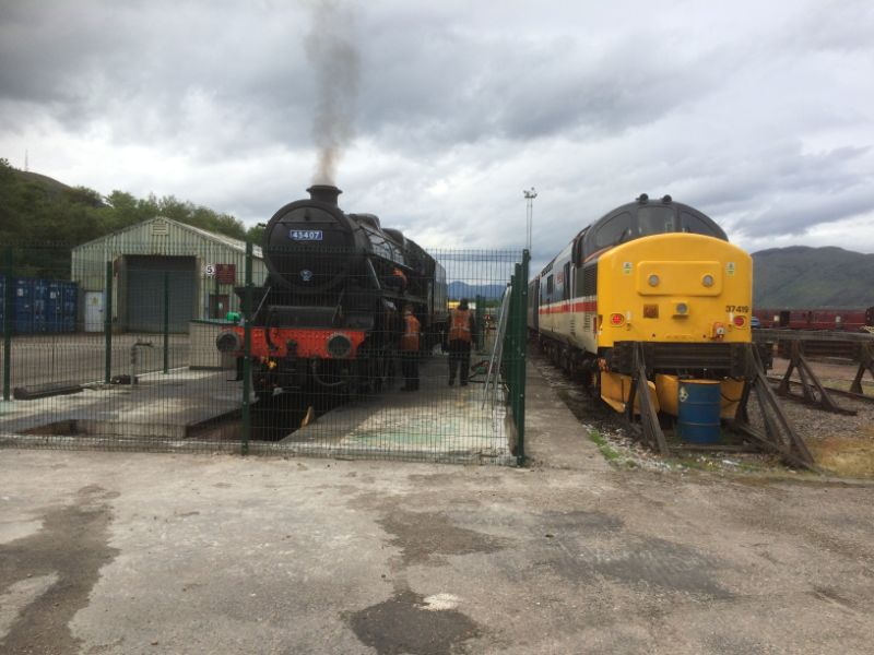 Fort William Yard 45407 & 37419 - John Midcalf