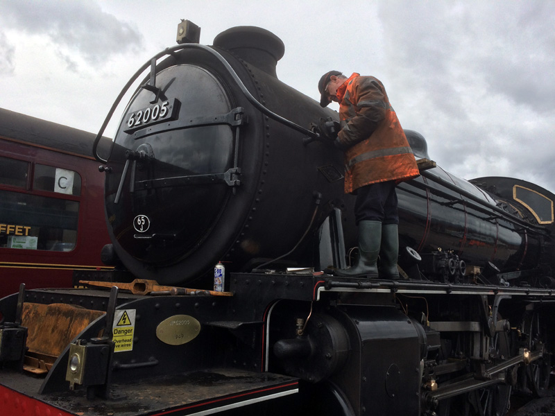 Next day, loco boxed up. Arthur repairing fault with the ejector exhaust - John Midcalf