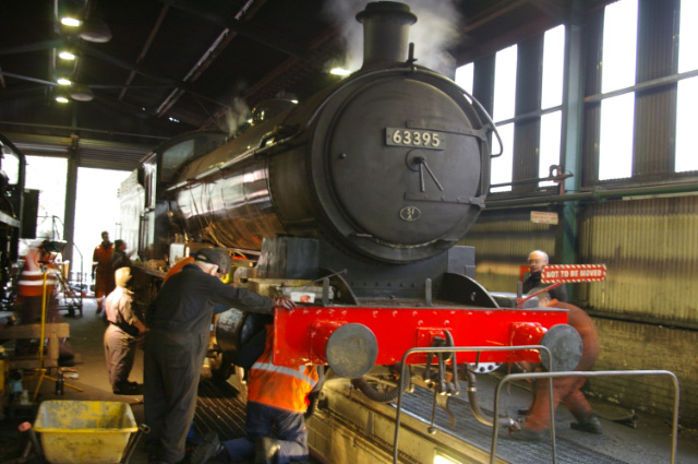 The NEKLPG and NYMR MPD teams at work on the Q6 - Chris Lawson