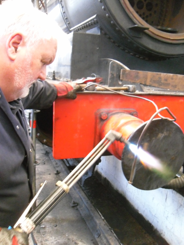 Peter Ellis annealing lubrication pipes - Andy Lowes